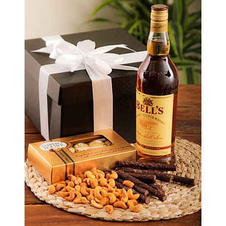 Whiskey, nut, biltong & chocolate hamper