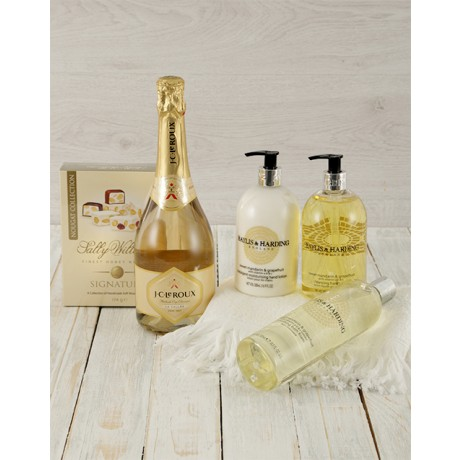 Bayliss & Harding Bath & Bubbles Hamper