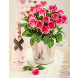 Moet en Chandon Roses Hamper