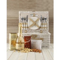 Romantic Picnic Basket for Two