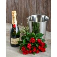 Moet en Chandon Red Roses Valentines Hamper
