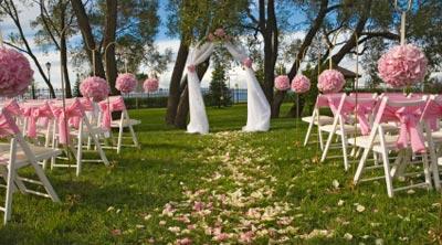 Wedding Flowers for Pews & Rose Petals